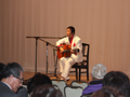歌とギターの夕べ ルナ ケンゾーさんのステージ